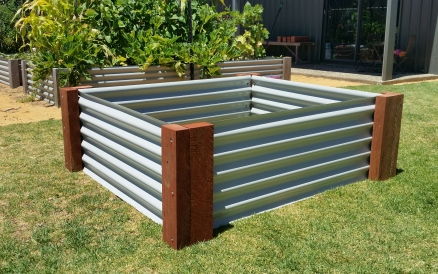 Standard Raised Garden Bed